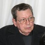 OSCAR LORENZO REINHOLD. Militar retirado, condenado en 2008 por 17 hechos cuando era Jefe de Inteligencia del Comando (Sexta Brigada), con detención domiciliaria en buenos aires, nacido el 26 de enero de 1935.