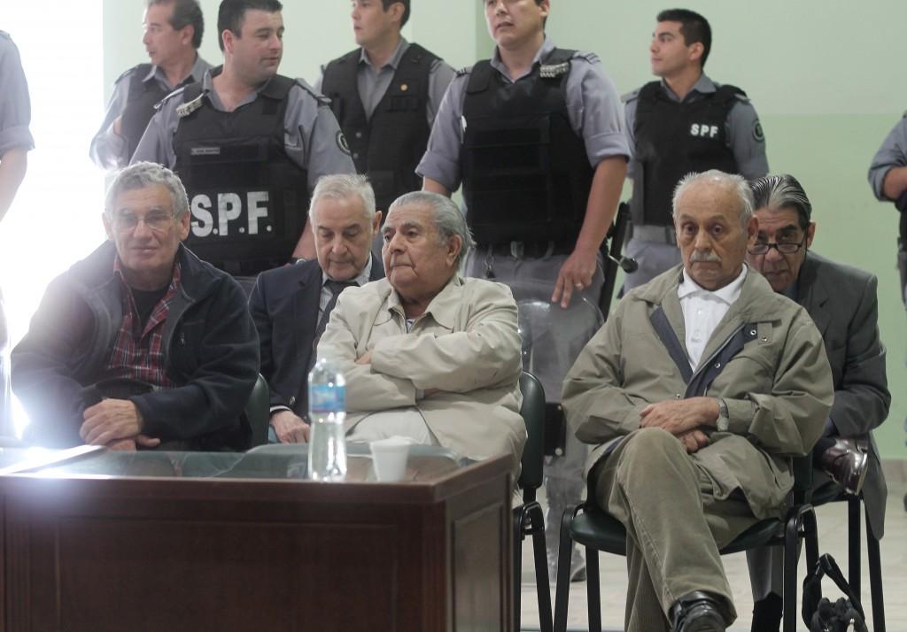 Jorge Soza, Luis Farías Barrera, Hilarión Sosa (adelanteI y Mario Gómez Arena, Jorge Di Pasquale (atrás)