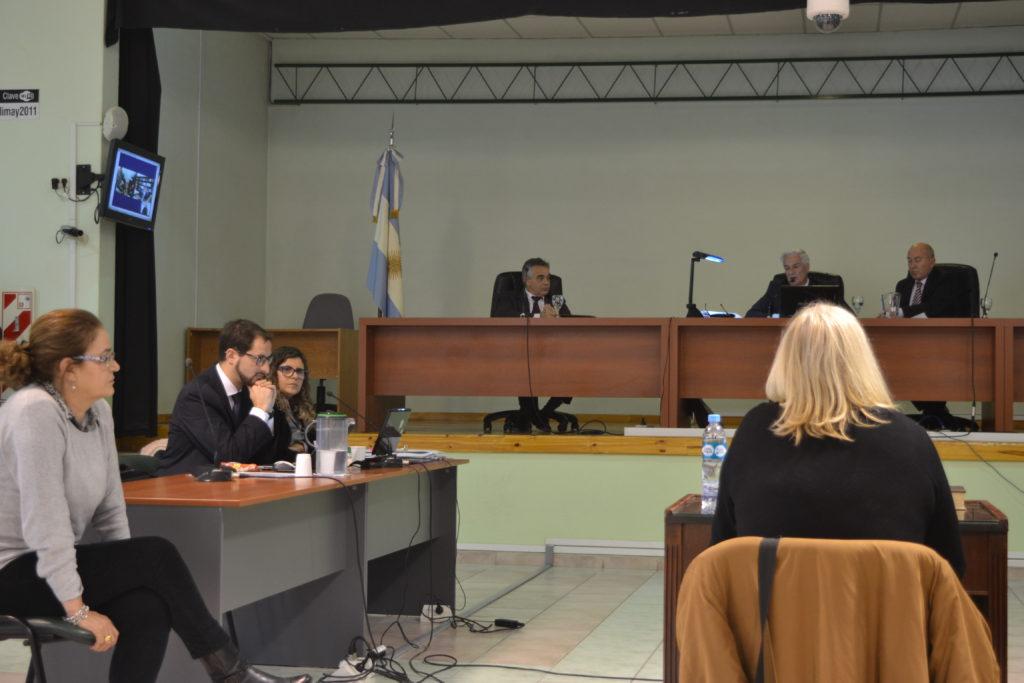 El tribunal permitió que Maite Oliva acompañara el momento del testimonio de Parente